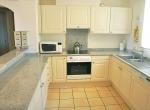 liveinmallorca-santaponsa-apartment-kitchen