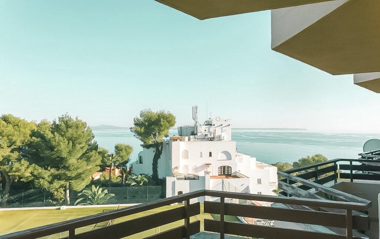 apartment with sea views in Illetas