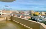 Sea views and a terrace in Terreno