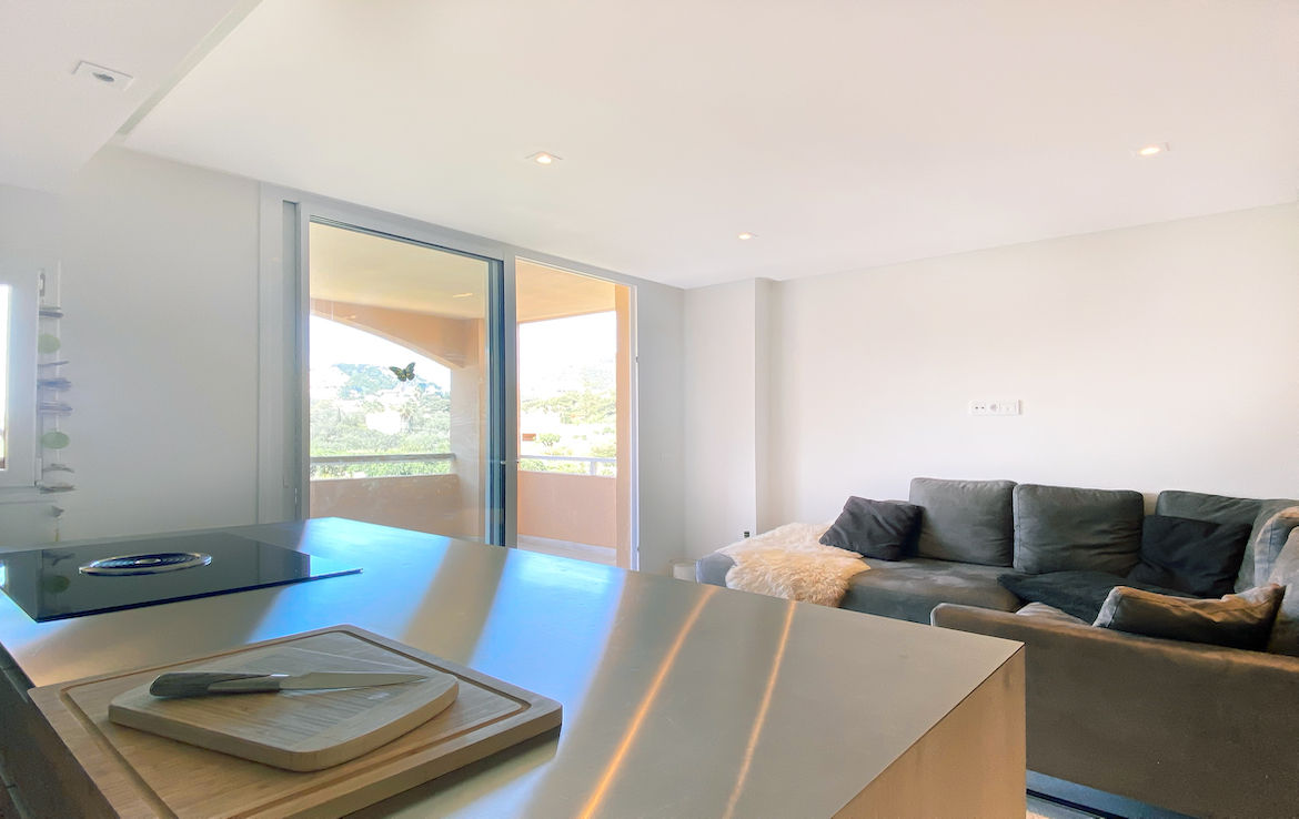 renovated apartment with a terrace in Puerto Andratx